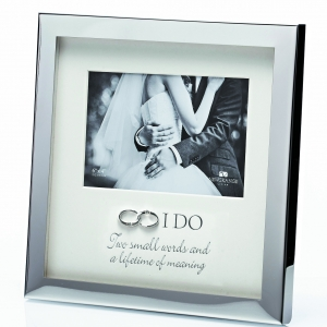 Newgrange Living Wedding Rings Frame