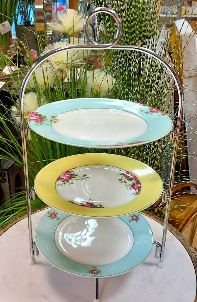 Aynsley Plate/ Cake Stand